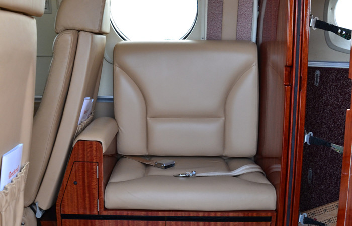 KingAirF90-6 Side seat-web