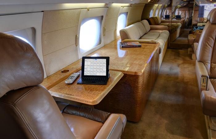 GIV-1007-Interior_Work Table
