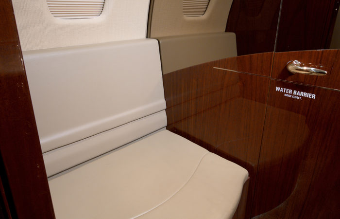 Cessna-Sovereign-GB Lav seat