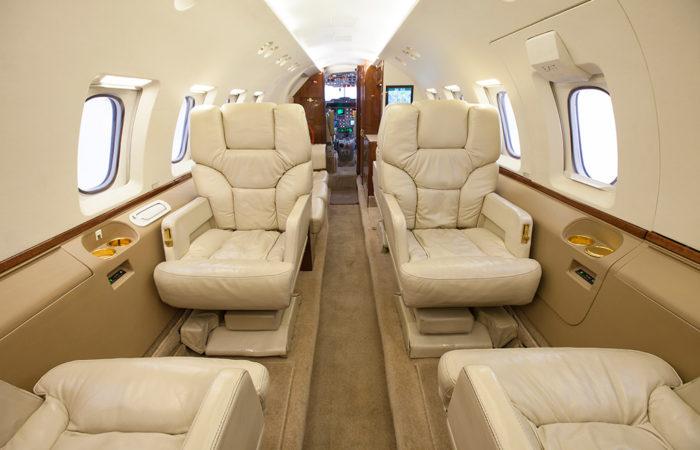 Hawker_800A_Forward facing cabin2