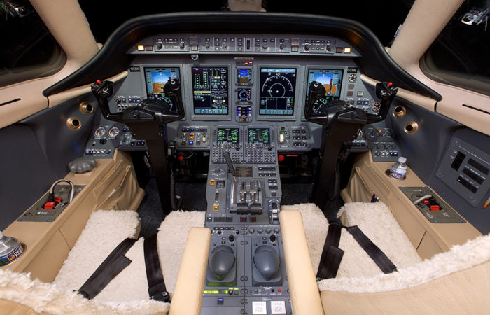 Cessna_Sovereigh_608-058-2-Sov Cockpit