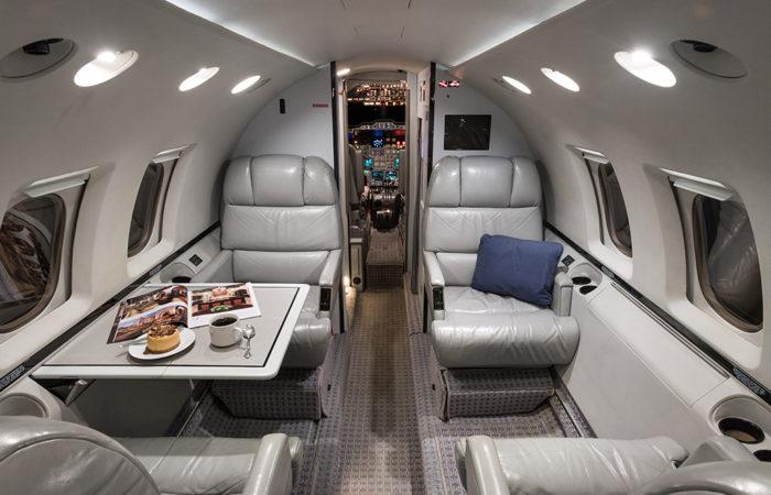 Hawker_800A_258206_Forward club seating-Web
