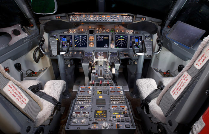 BBJ-2-Cockpit-Web