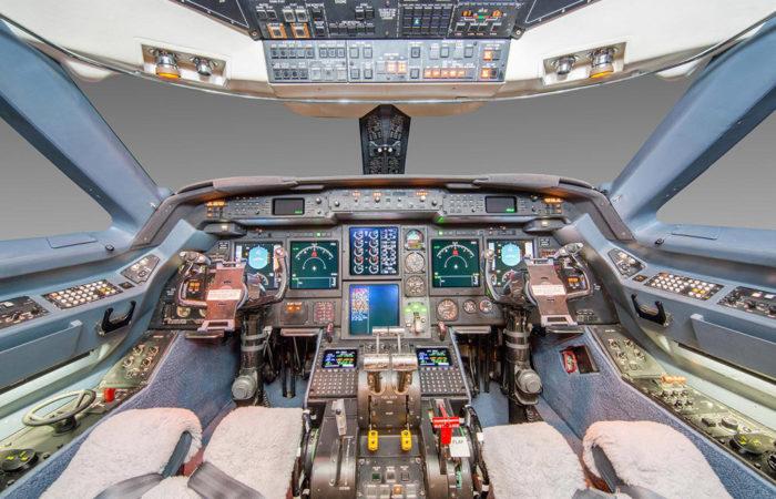 GIVSP_1272_Cockpit_1_Web