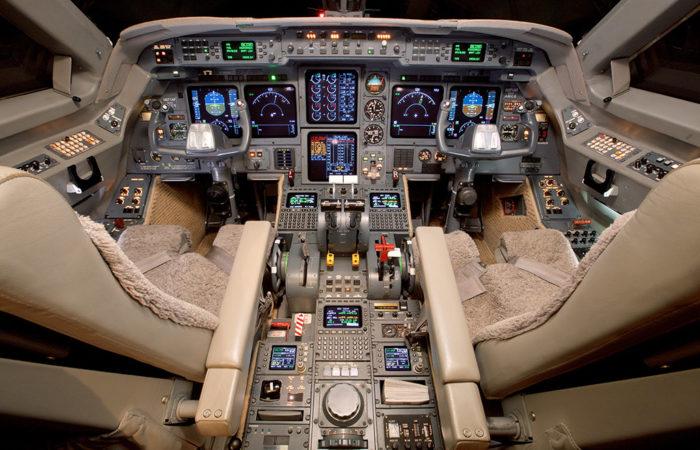 GIV_1205-2. Cockpit