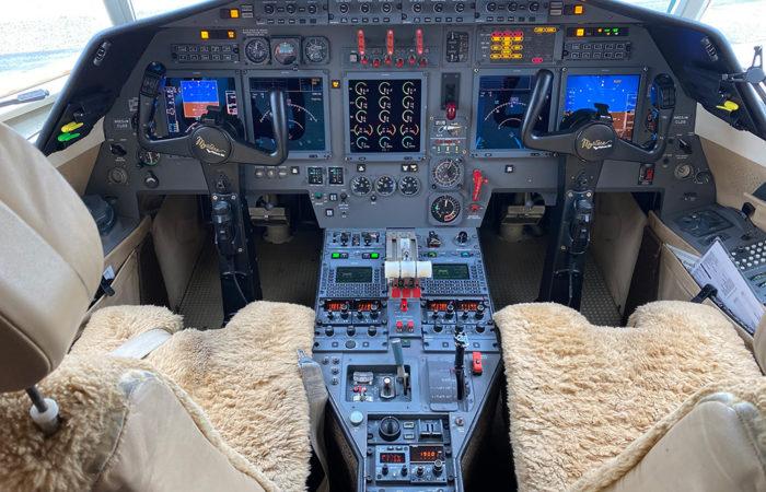 F50-217-cockpit-Web