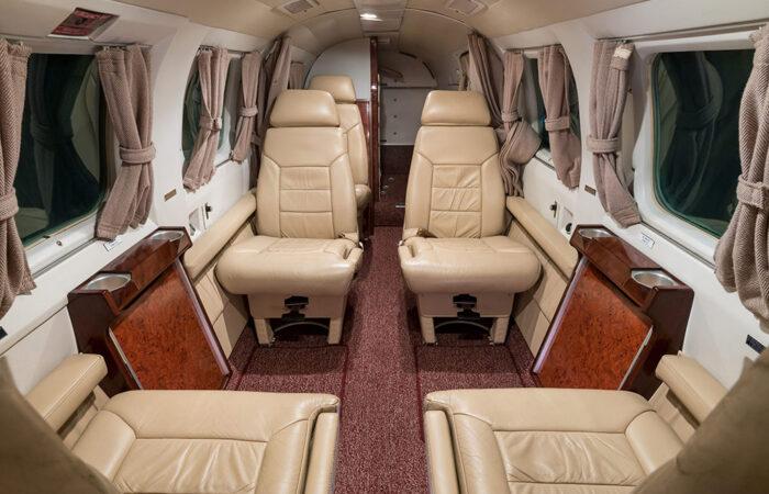 8166066-Aft facing cabin-Web