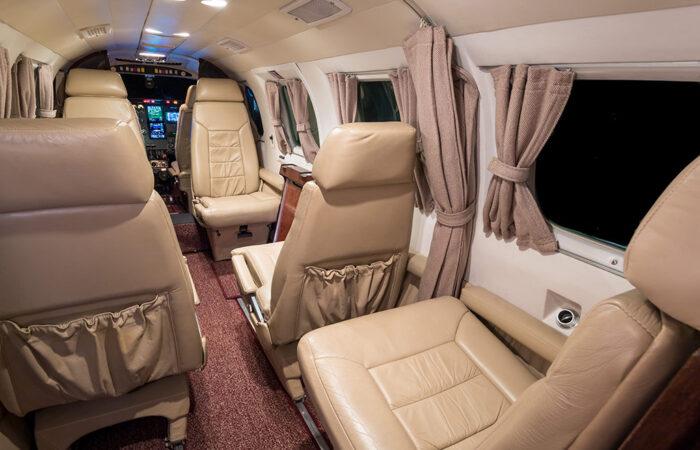 8166066-Forward facing full cabin-Web