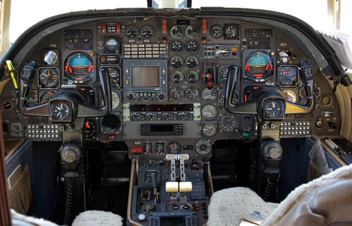 F10 #144 Cockpit-Web