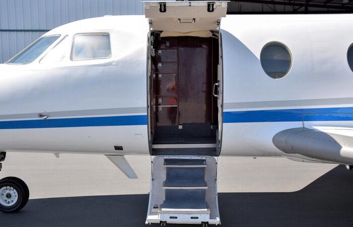Falcon 10 #144 Airstair-Web
